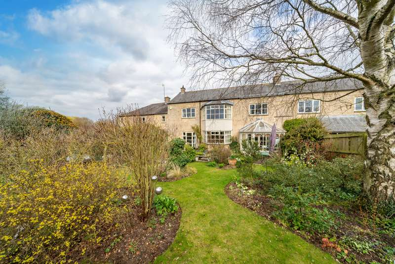 3 Bedrooms Property for sale in Camphill Court, Little Casterton, Stamford