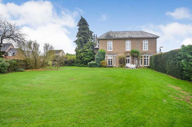6 Bedrooms Detached House for sale in Great Barford, Bedfordshire