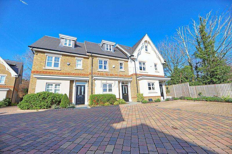 3 Bedrooms Terraced House for sale in Generous Cookham Village family home
