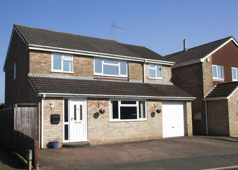 5 Bedrooms Detached House for sale in Ash Hayes Drive, Nailsea, North Somerset, BS48 2LG