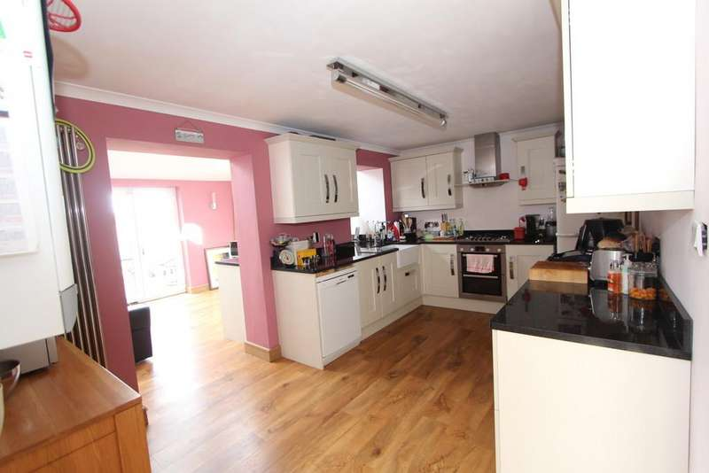 3 Bedrooms Semi Detached House for sale in Mulberry Road, Congresbury