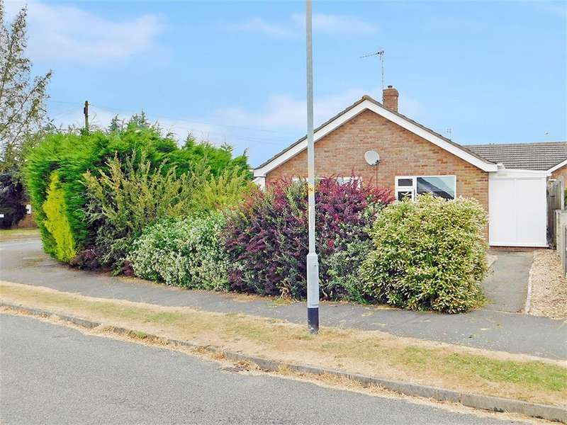 3 Bedrooms Detached Bungalow for sale in Elm Crescent, Burgh Le Marsh, Skegness, PE24 5EG