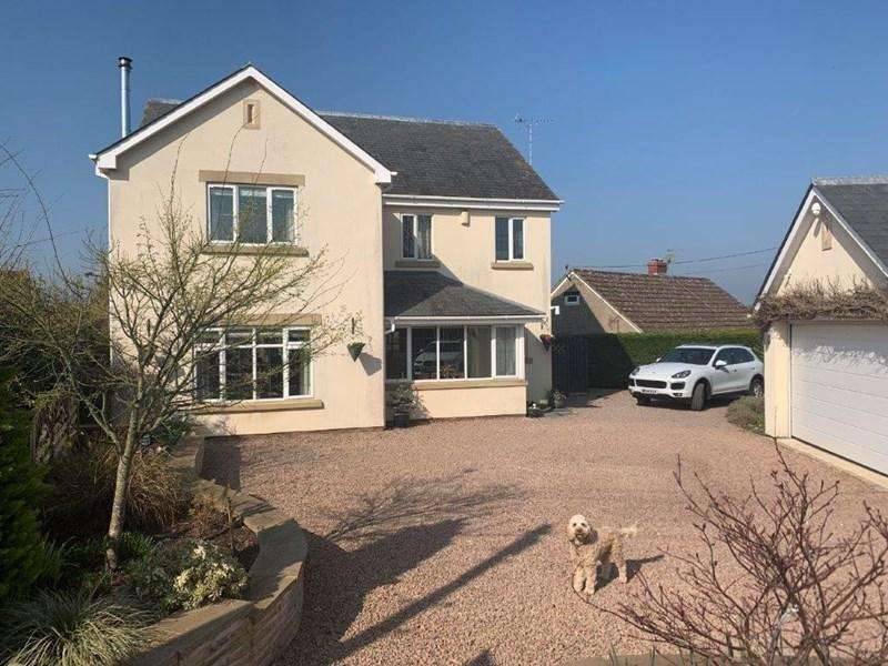 5 Bedrooms Detached House for sale in Ross Road, English Bicknor, Coleford