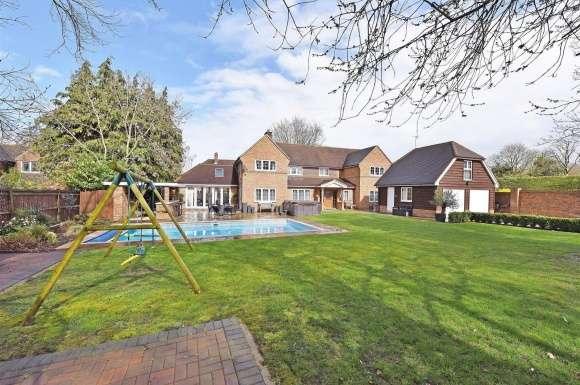 4 Bedrooms Property for sale in Skippetts Lane East, Basingstoke