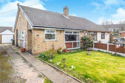 2 Bedrooms Bungalow for sale in Friars Walk, Formby, Liverpool, Merseyside, L37