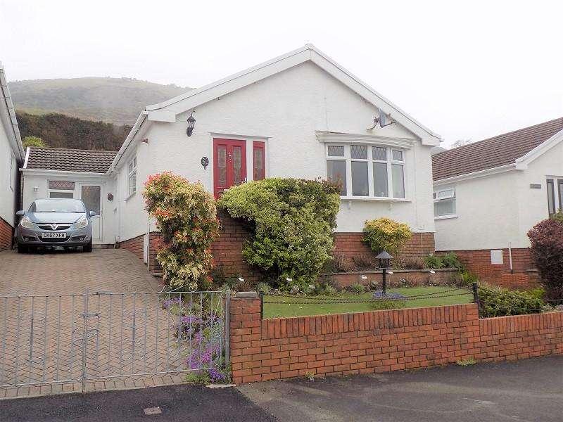 3 Bedrooms Semi Detached Bungalow for sale in Meadow Walk, Pentre, Rhondda, Cynon, Taff. CF41 7QN