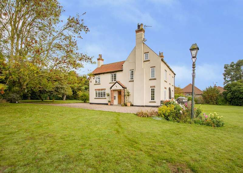 4 Bedrooms Detached House for sale in Main Street, Grove, Retford