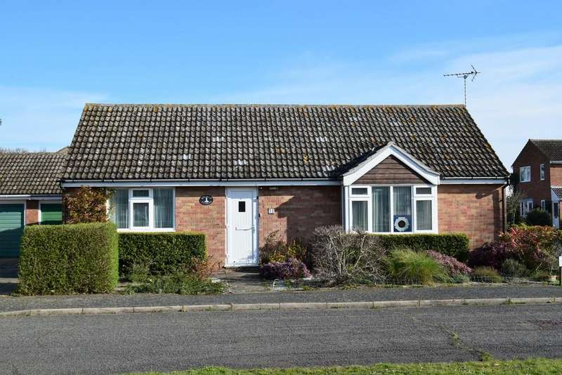 3 Bedrooms Detached Bungalow for sale in 71 The Drive, Reydon, Near Southwold