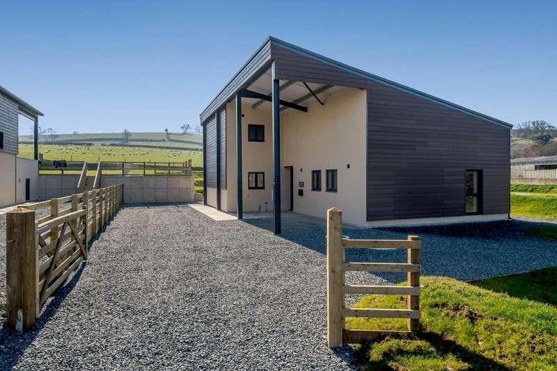 4 Bedrooms Barn Conversion Character Property for sale in Warracott Farm Barns, Chillaton, Lifton, Devon