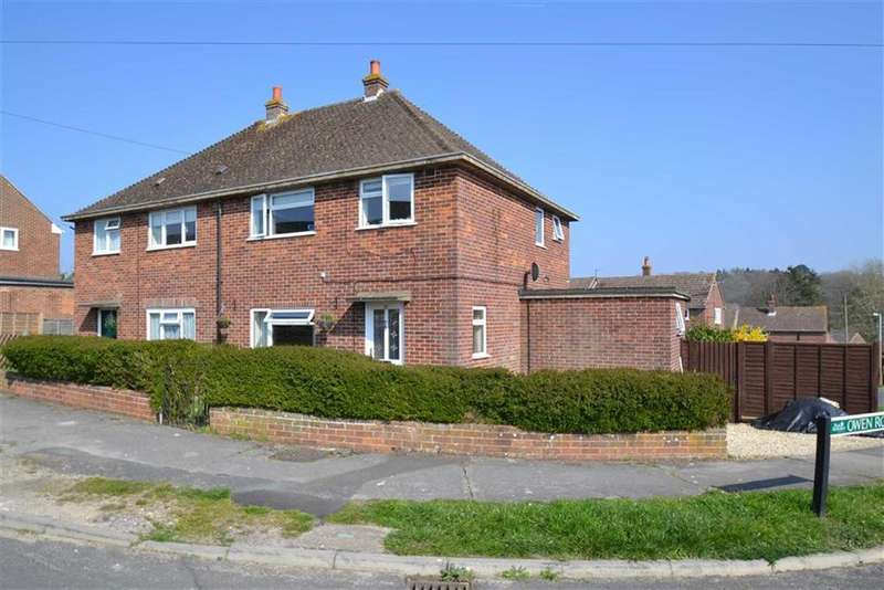 3 Bedrooms Semi Detached House for sale in Kingsley Close, Shaw, Newbury, Berkshire, RG14