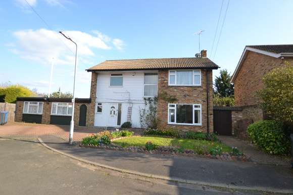 4 Bedrooms Detached House for rent in The Points, Cox Green, Maidenhead
