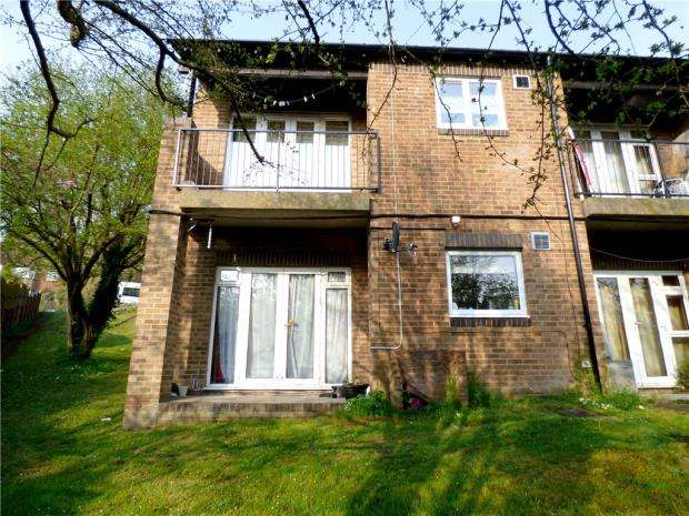 1 Bedroom Maisonette Flat for sale in Malvern Close, High Wycombe, Buckinghamshire