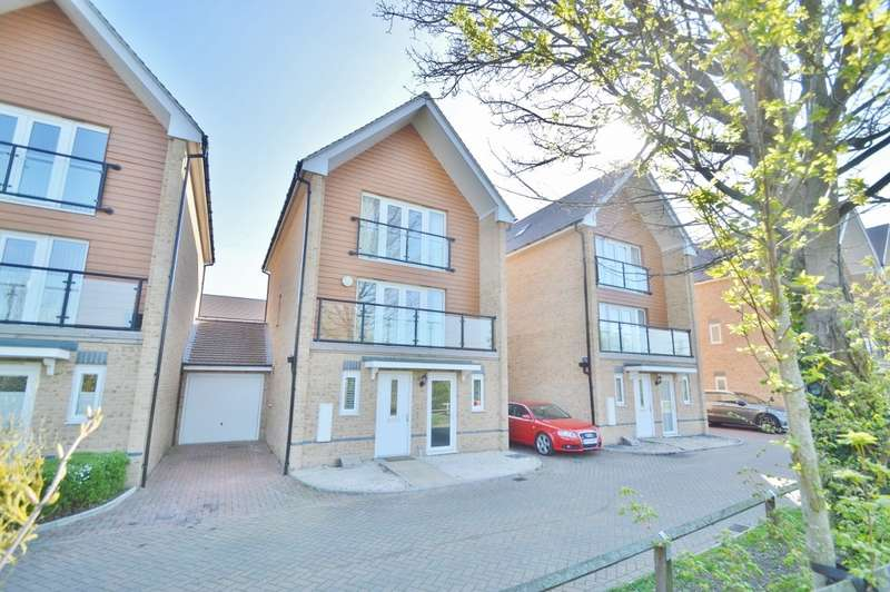 4 Bedrooms Town House for sale in Edgeworth Close, Langley, SL3