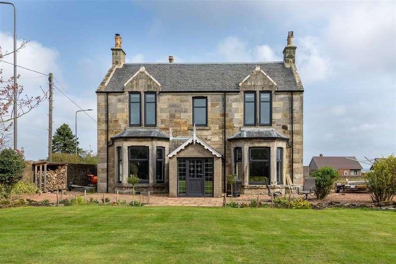 5 Bedrooms Detached House for sale in Cross Keys, Freuchie, Fife