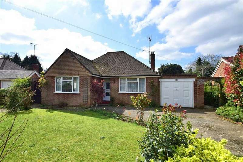 2 Bedrooms Bungalow for sale in Wincroft Road, Caversham, Reading