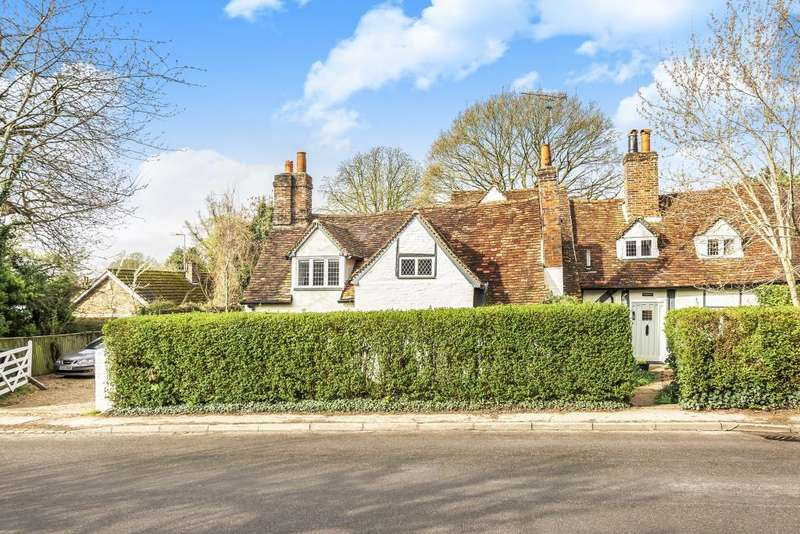 4 Bedrooms House for sale in Hill Farm Road, Taplow, SL6