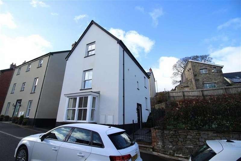 4 Bedrooms Detached House for sale in Rowan Way, Blaenavon