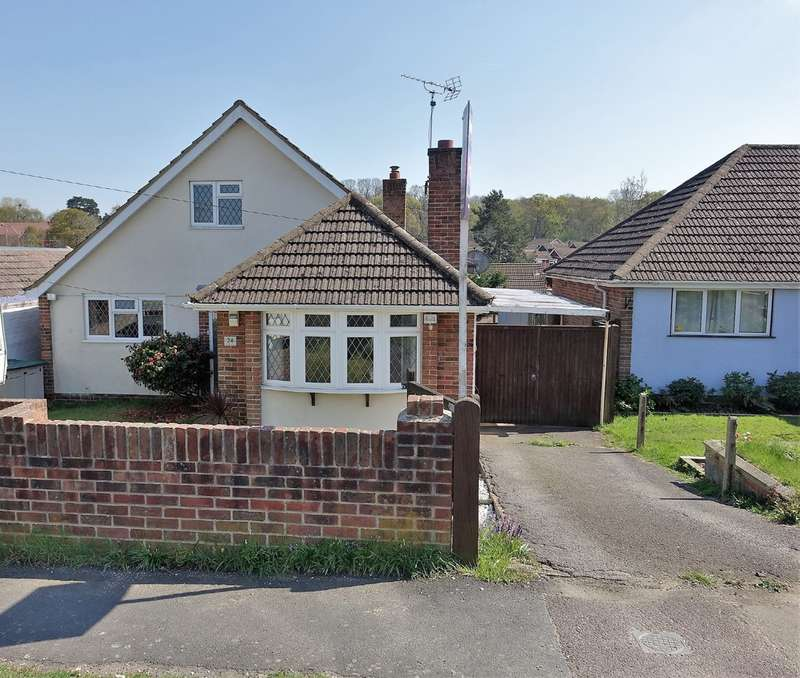 4 Bedrooms Chalet House for sale in Hillview Road, Hythe