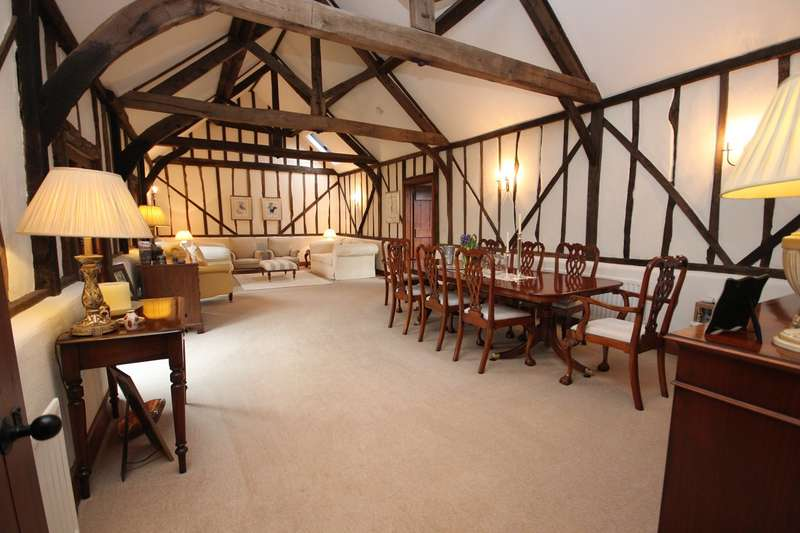4 Bedrooms Barn Character Property for sale in Station Road, Ampthill, Bedfordshire, MK45
