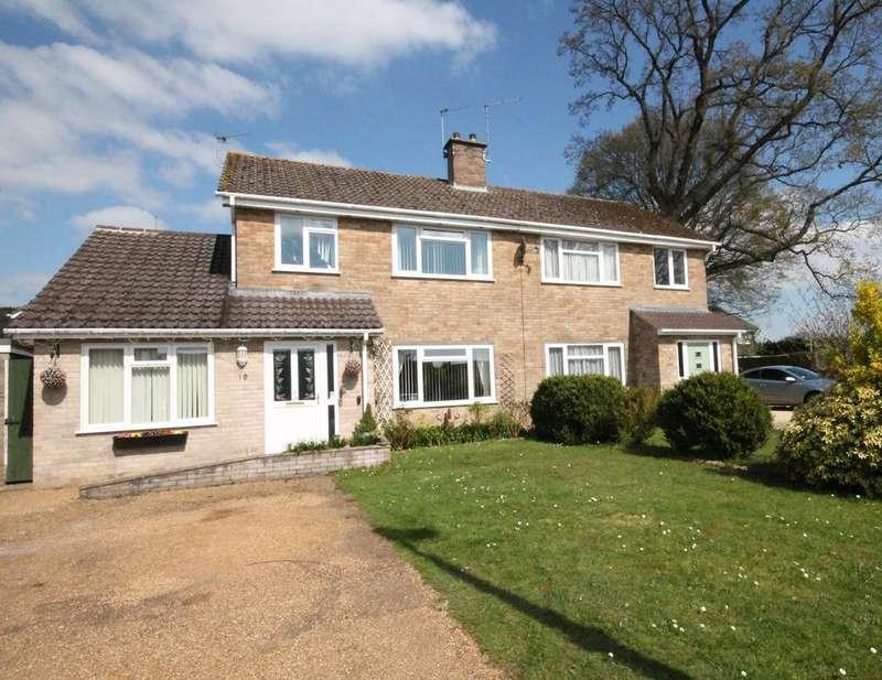 4 Bedrooms Semi Detached House for sale in Villiers Way, Newbury, RG14