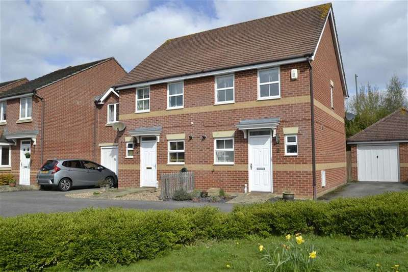 2 Bedrooms Semi Detached House for sale in Florence Gardens, Thatcham, Berkshire, RG18
