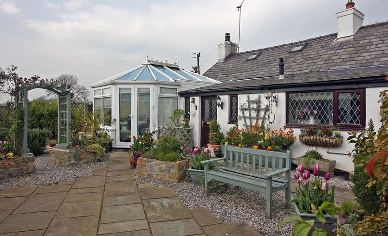 3 Bedrooms Cottage House for sale in Brynteg, North Wales