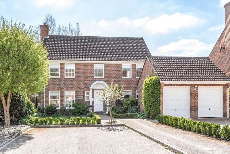 4 Bedrooms Detached House for sale in Clifton House Close, Clifton, SG17