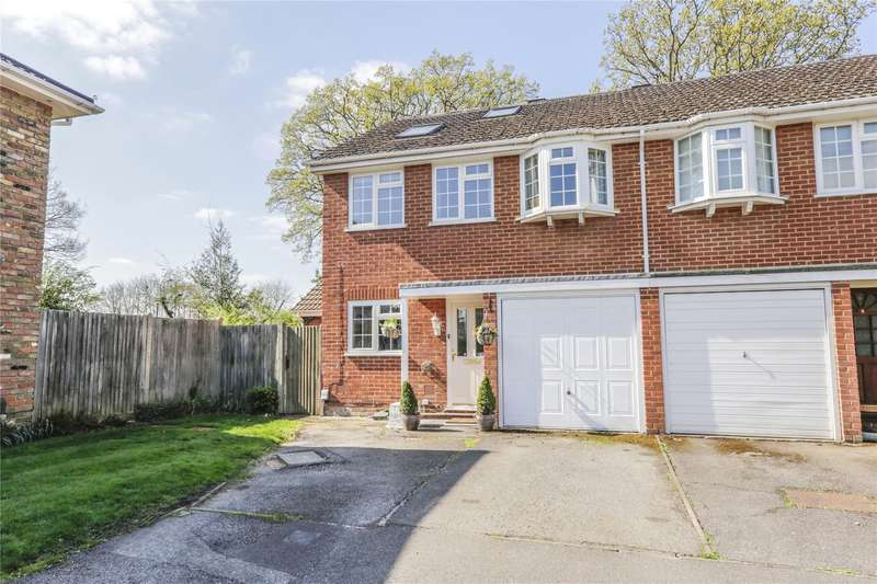 4 Bedrooms Semi Detached House for sale in Maple Close, Winnersh, Wokingham, Berkshire, RG41
