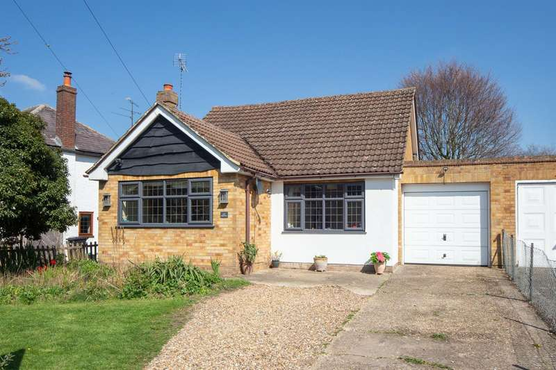 2 Bedrooms Detached Bungalow for sale in High Street, Eaton Bray, Bedfordshire