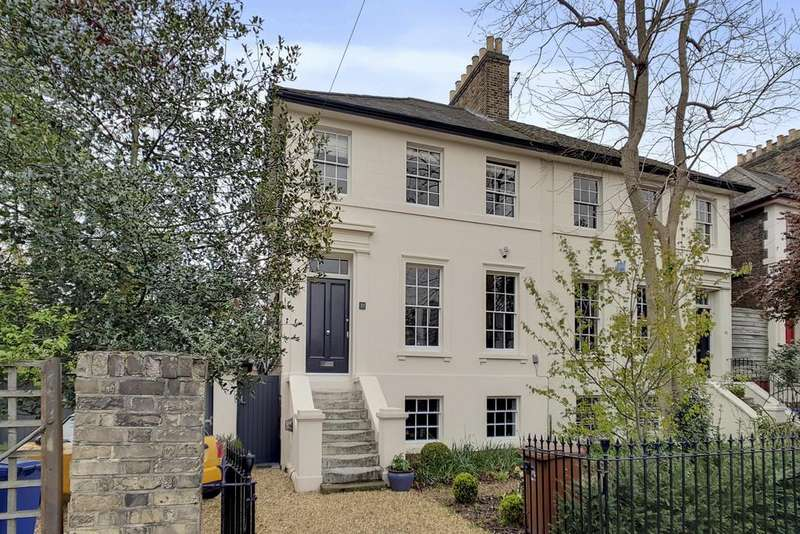 3 Bedrooms Semi Detached House for sale in Highshore Road, London