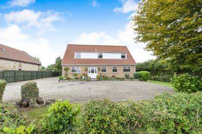 4 Bedrooms Bungalow for sale in Broughton Road, Great Broughton, North Yorkshire