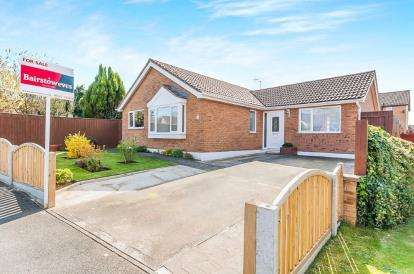 3 Bedrooms Bungalow for sale in Stanley Close, Wainfleet, Skegness, Lincolnshire