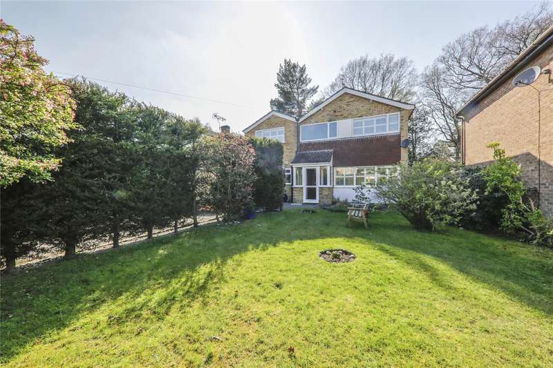 4 Bedrooms Detached House for sale in Westbury Close, Crowthorne, Berkshire, RG45