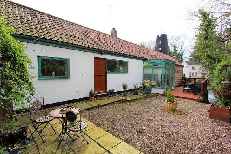 2 Bedrooms Semi Detached House for sale in Mill Lane, Legbourne, LN11 8LT