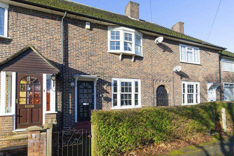 2 Bedrooms Terraced House for sale in Manor Farm Drive, London
