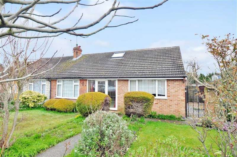 3 Bedrooms Semi Detached Bungalow for sale in Pearce Road, Maidenhead, Berkshire