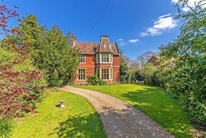 4 Bedrooms Detached House for sale in Church Street, Langford, Bedfordshire