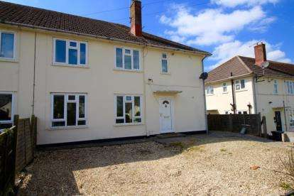 2 Bedrooms Flat for sale in Dangerfield Avenue, Bishopsworth, Bristol