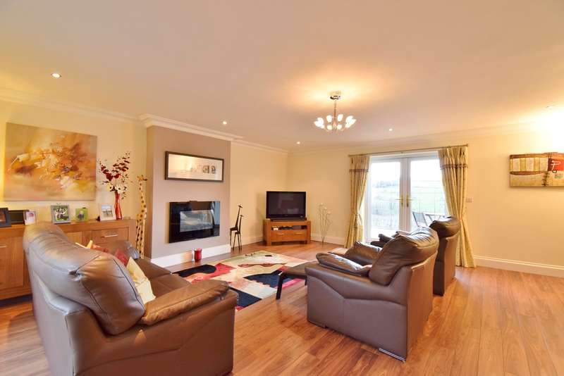 5 Bedrooms Detached House for sale in Gelynos Avenue, Argoed, Blackwood, NP12