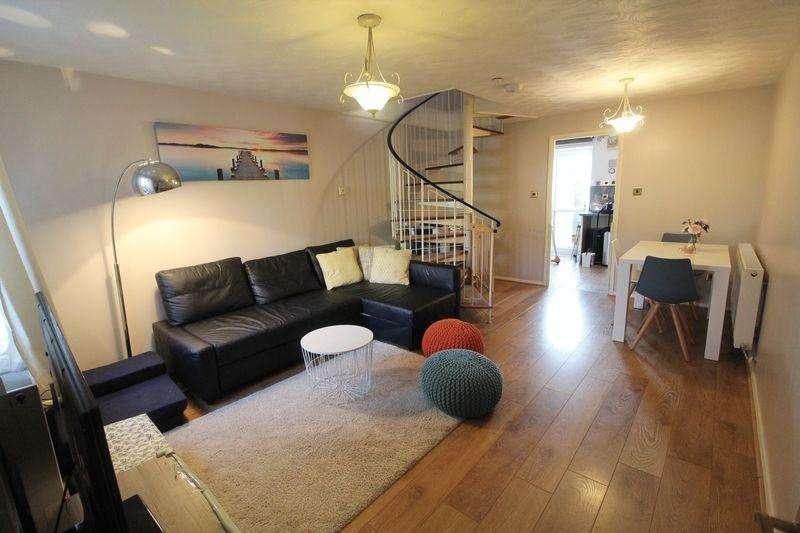 3 Bedrooms Terraced House for sale in Dewfalls Drive, Bradley Stoke