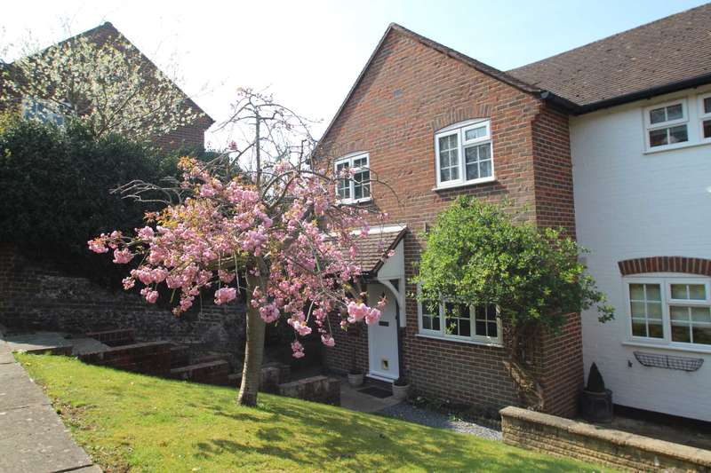 3 Bedrooms End Of Terrace House for sale in 3 BED END TERRACE MEWS STYLE FAMILY HOME in THE OLD TOWN