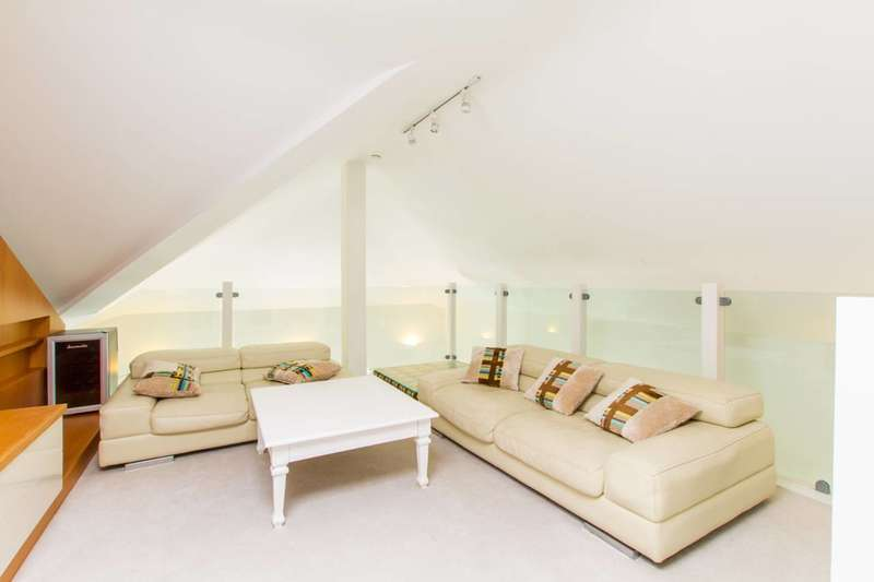 3 Bedrooms Flat for sale in Princess Park Manor, Friern Barnet, N11