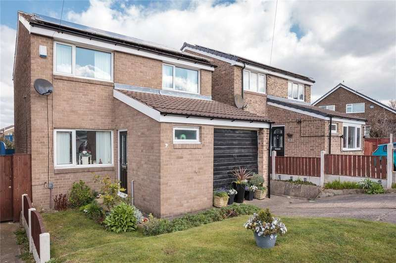 3 Bedrooms Detached House for sale in Chalcroft Close, Heckmondwike, West Yorkshire, WF16