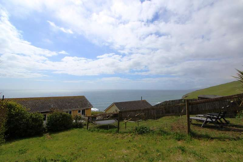 2 Bedrooms Terraced House for sale in Whitsand Bay View, Portwrinkle