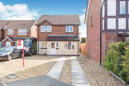 3 Bedrooms Detached House for sale in Merlin Way, Crewe, Cheshire