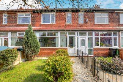 2 Bedrooms Terraced House for sale in Colwyn Crescent, Reddish, Stockport, Cheshire