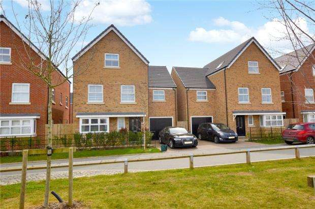 4 Bedrooms Detached House for sale in Redshank Road, Stanway, Colchester