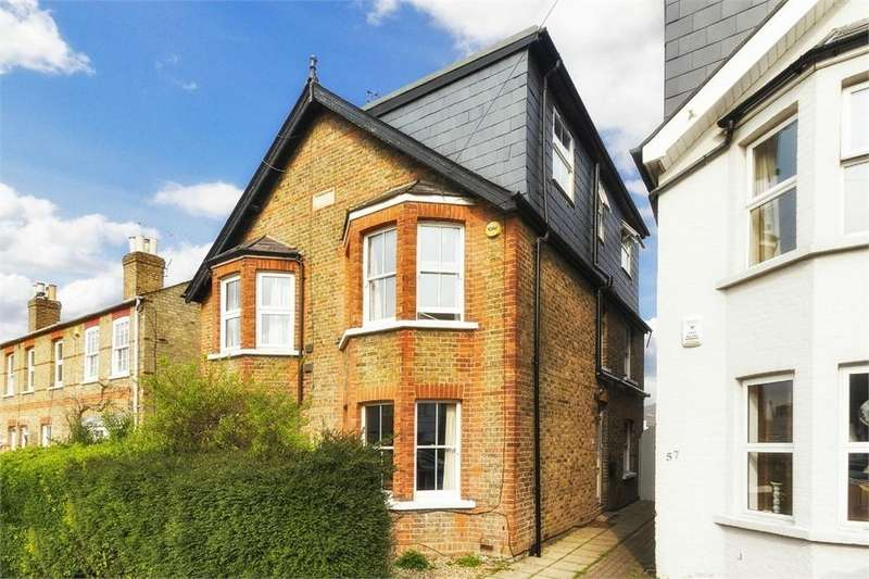 5 Bedrooms Detached House for sale in Albany Road, Old Windsor, Berkshire