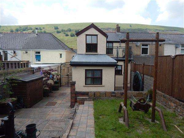 3 Bedrooms End Of Terrace House for sale in Abertillery Road, Blaina. NP13 3DW