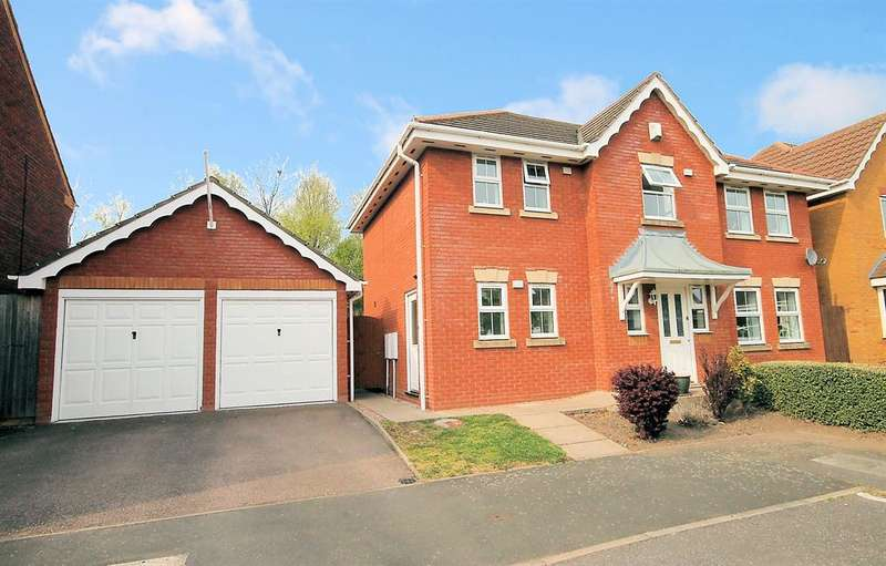 4 Bedrooms Detached House for sale in Ascot Drive, Dosthill, Tamworth, B77 1QP
